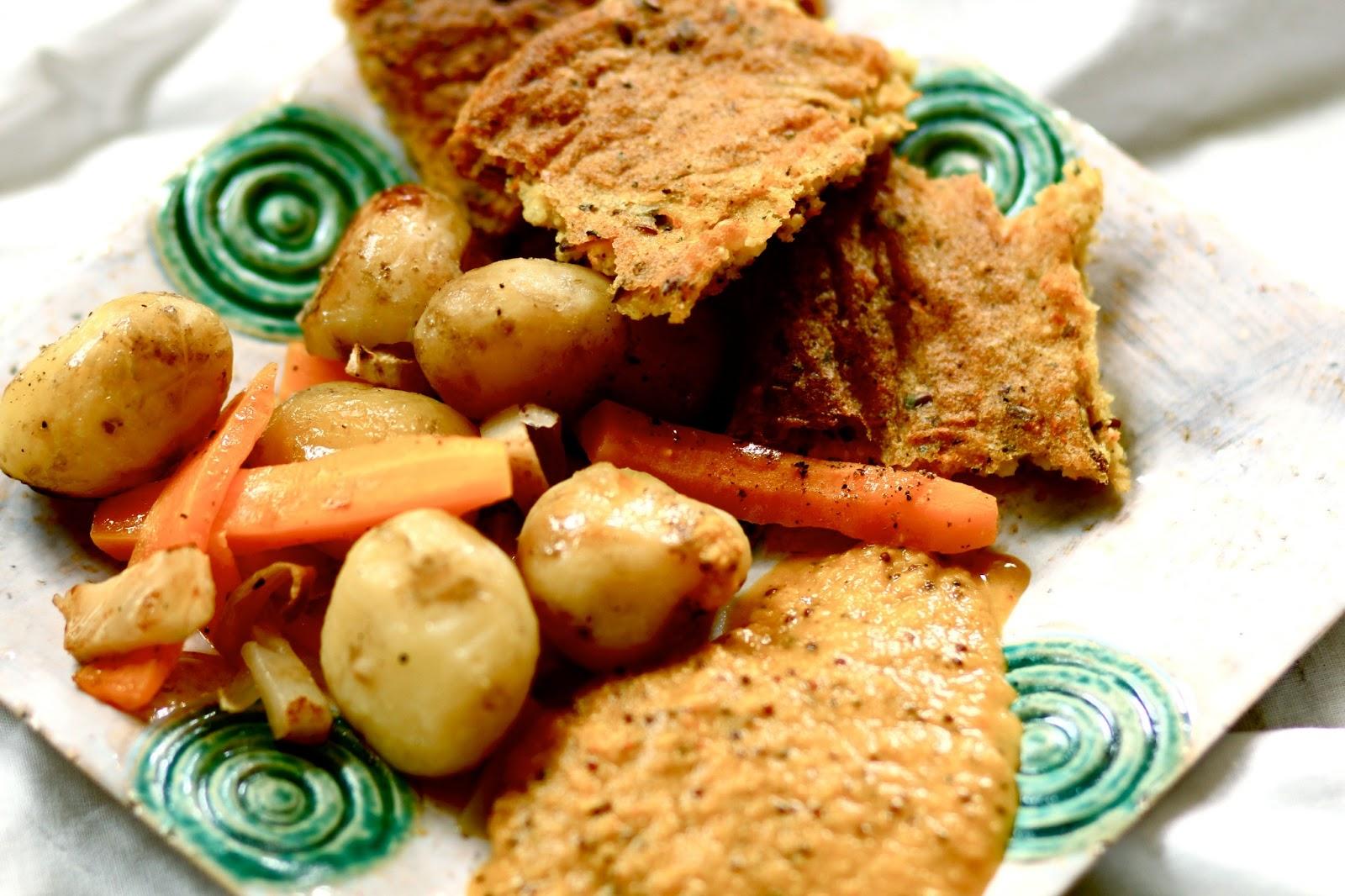 Chlebki jaglano-ryżowe z jasminowym zapachem i chutney marchewkowy