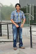 Naga Chaitanya new handsome photos stills-thumbnail-2