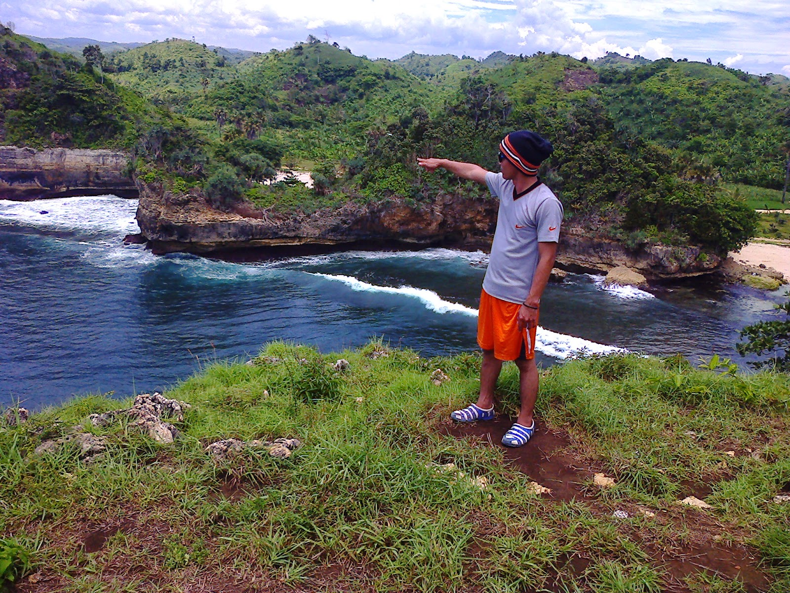 Langkah Awal Menuju Kesuksesan Pantai Batu Bengkung Malang Selatan