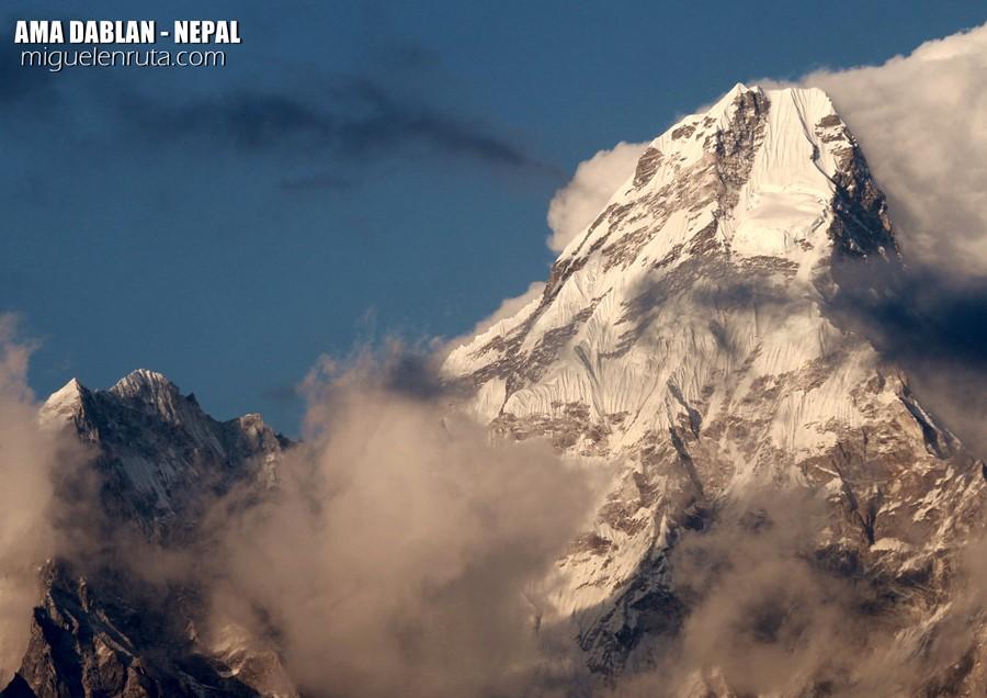 ama-dablam-himalaya-nepal