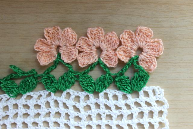 Lacy Crochet Flower Border Crochet Pattern And Tutorial