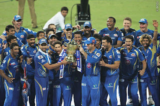 Trophy-lifting-MI-IPL-2013