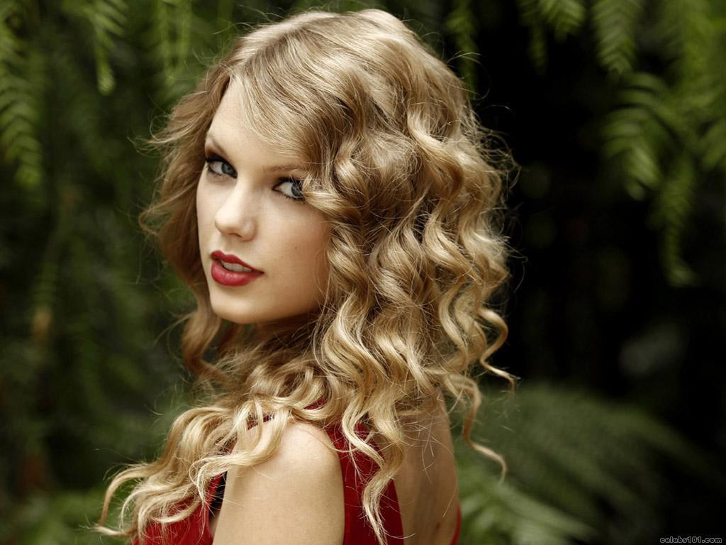 http://2.bp.blogspot.com/-9y3V-qY3Lzo/T7_kohxYxPI/AAAAAAAAEZk/1XUH9_c-9BI/s1600/Taylor+Swift+Hair+Style+05.jpg
