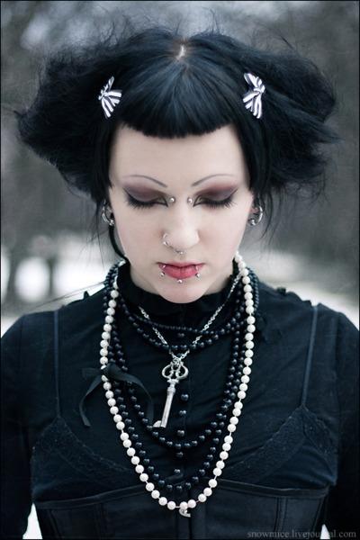 bast hair gothic