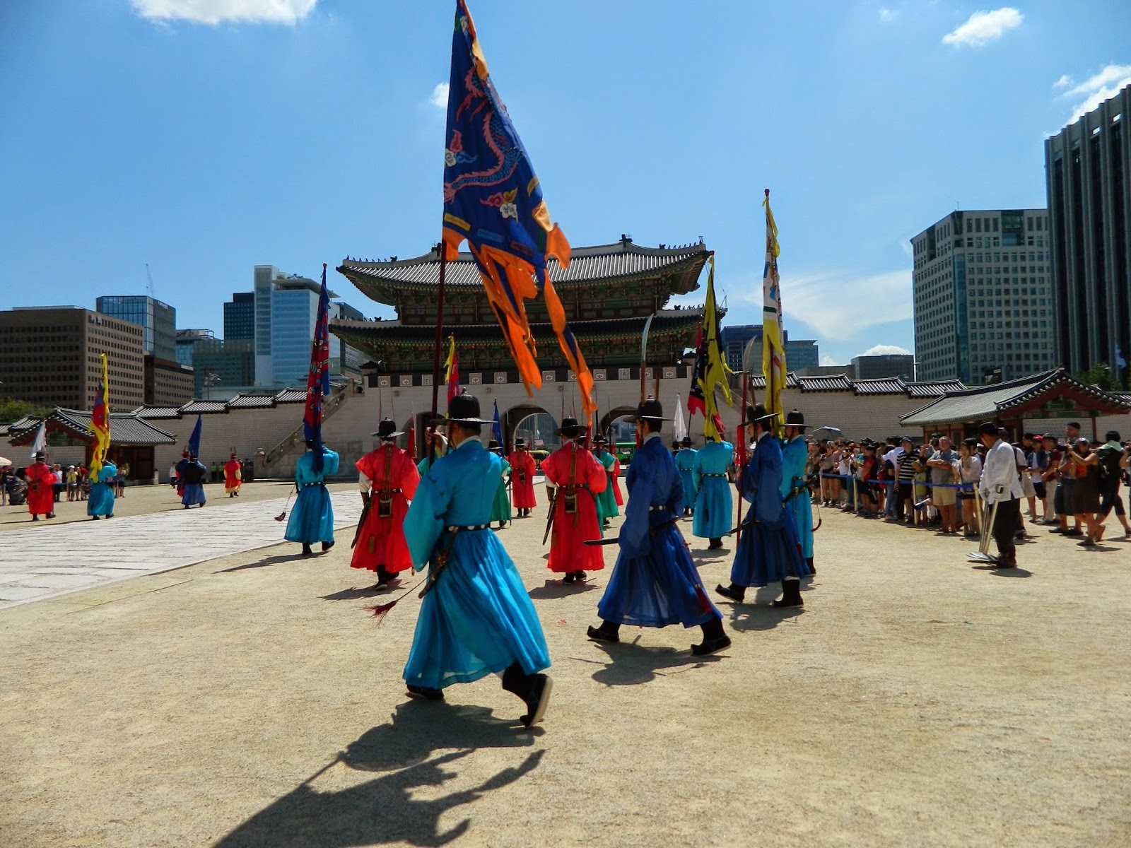 The changing guard ceremony in front of Gwanghwamun