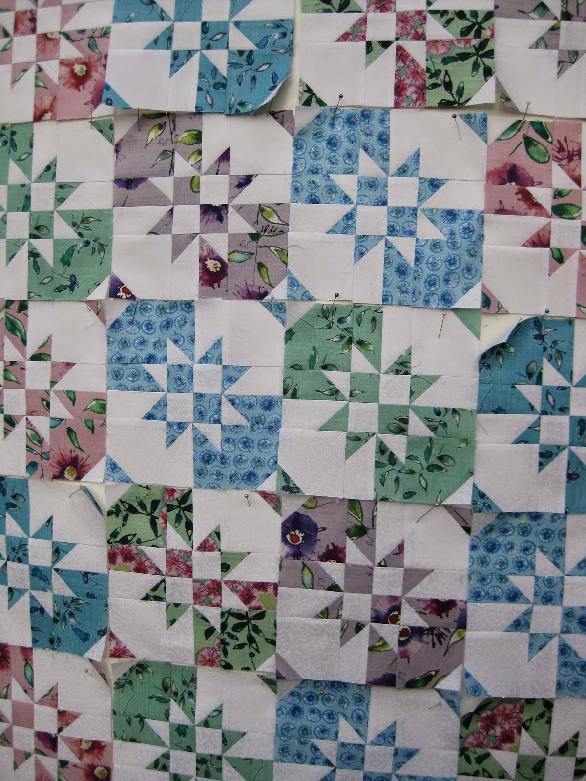 how to make a disappearing hourglass quilt block