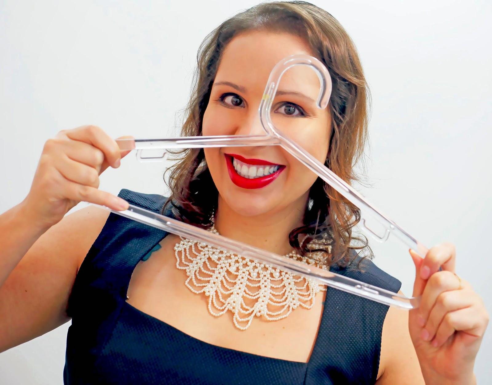 Prof. Camila Gonçalves