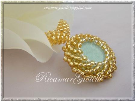 Ciondolo verde oro incastonato con St Petersburg chain