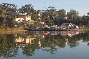 Xuân Hương lake