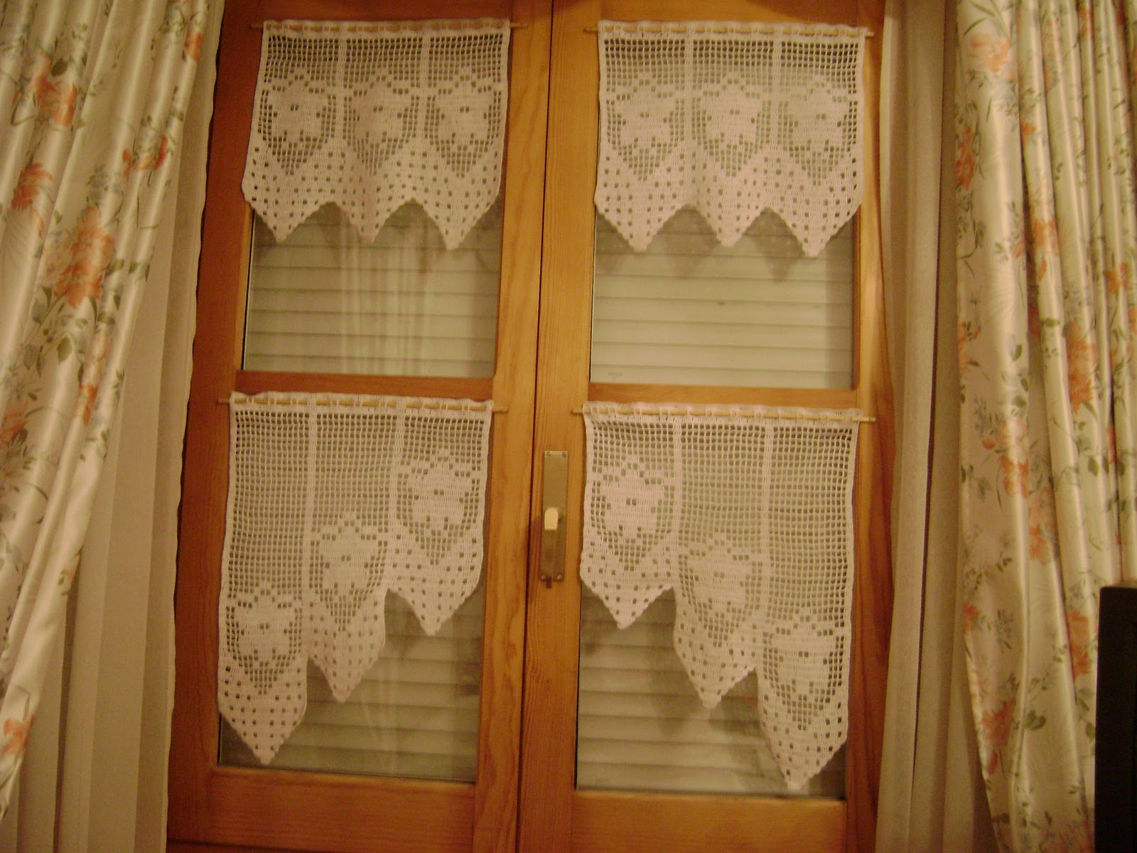 Cortina a crochet de cocina tattoo design bild for Cortinas para cocina