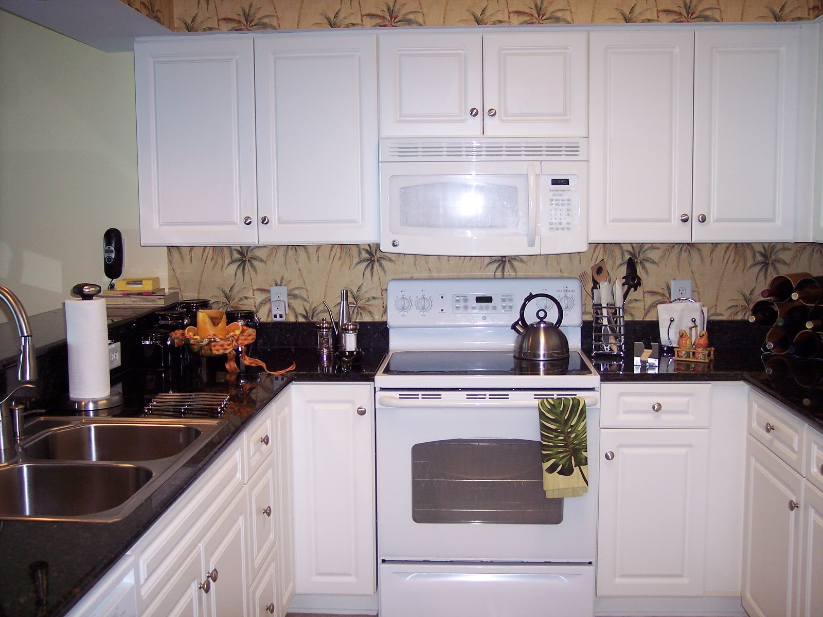 Wood n thoughts pictures kitchen before after for Catalyzed lacquer kitchen cabinets