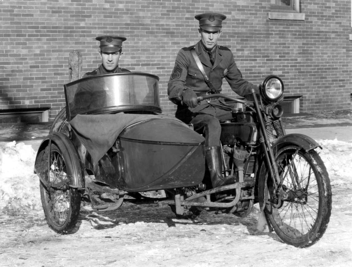 Police+1924+cops+in+Harley.jpg