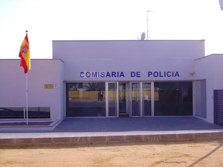 Cruzando el charco for Oficina policia nacional
