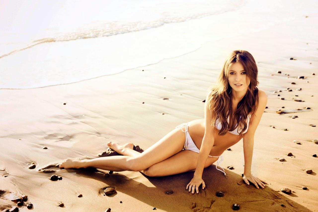 Summer Glau bikini on the beach