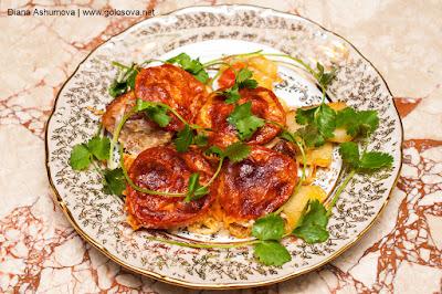 запеканка с мясом, картофелем, помидорами и сыром