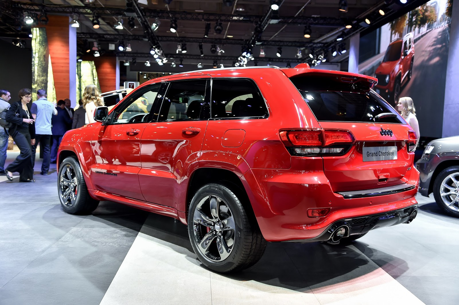Chrysler trademarks quot trackhawk quot spurs crazy rumor for jeep grand cherokee hellcat