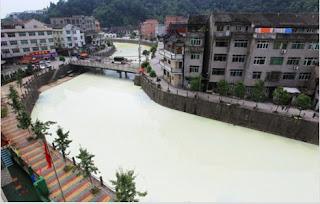 kabar--aneh.blogspot.com - Ada Sungai Putih di China