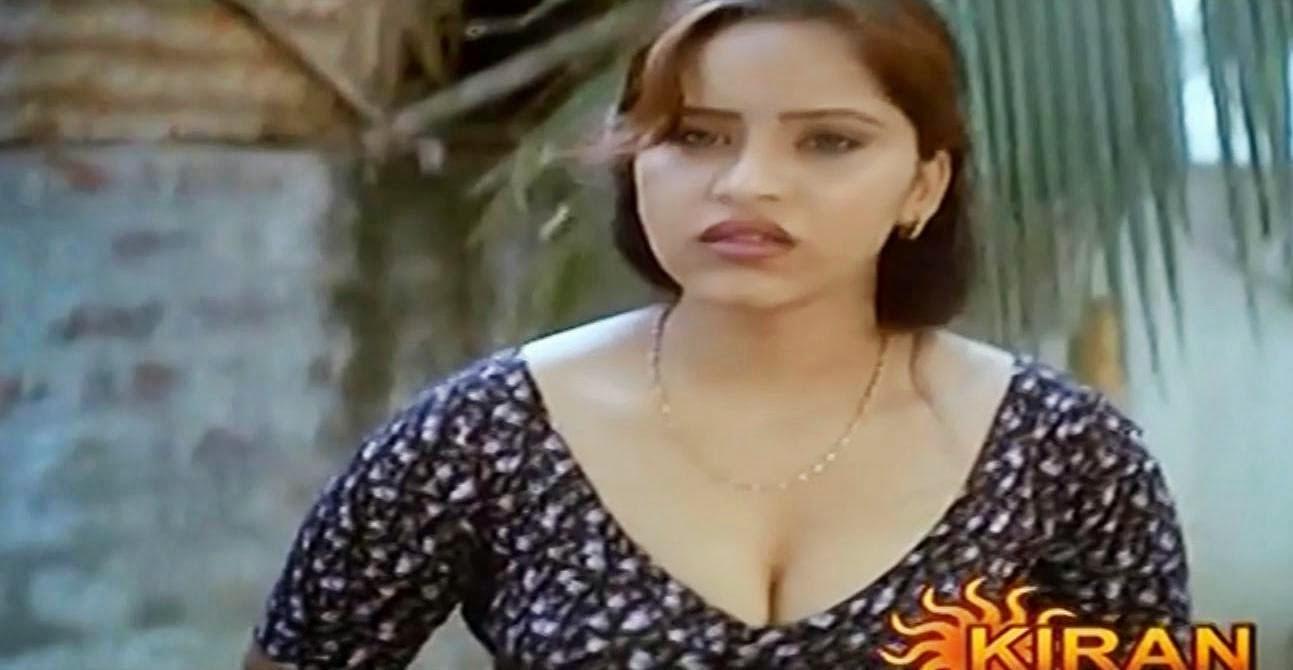 Saritharayum Aniyathimaarum Hot Malayalam Kambikatha - BEST MALLU ...