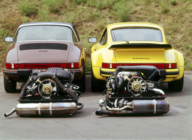 Porsche 911 S 2.7 Targa (links) und 911 Turbo 3.0 (G-series); 1976