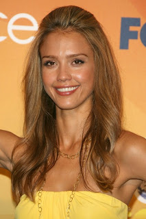 Jessica Alba long hairstyle at the Teen Choice Awards