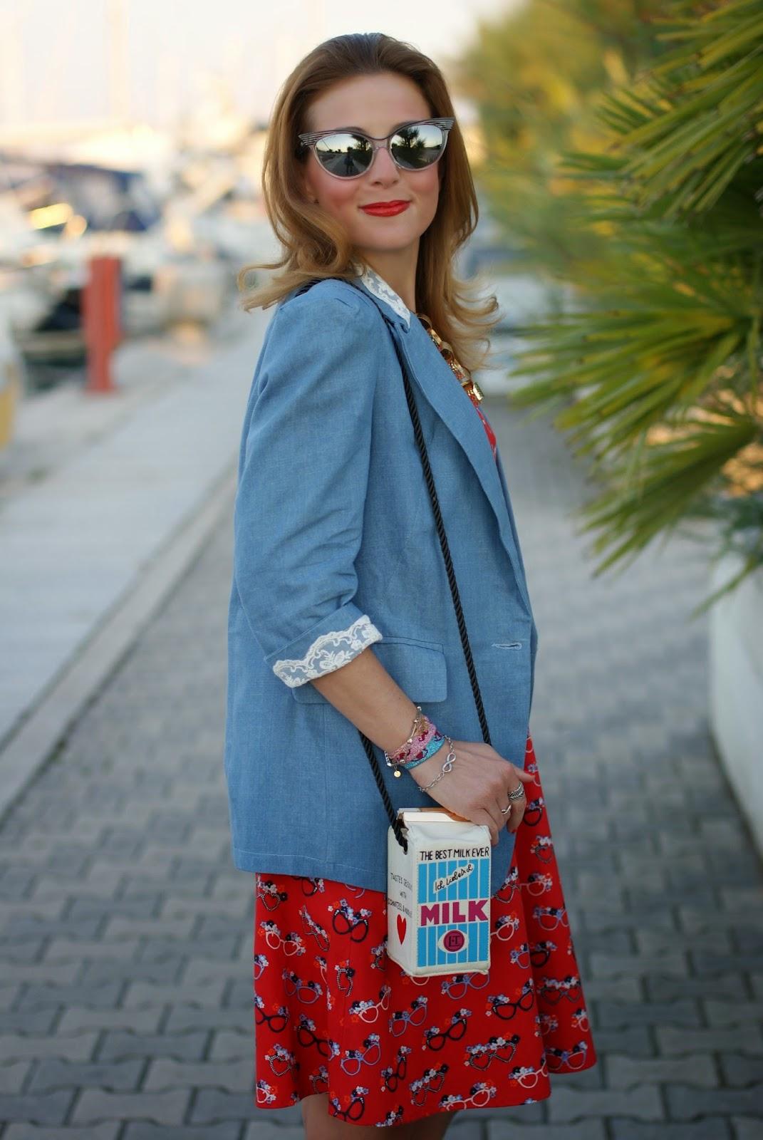 cute vintage dress, milk bottle shaped bag, Fashion and Cookies, fashion blogger