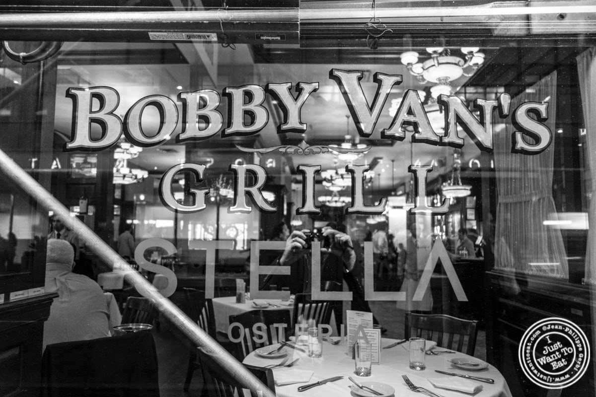 image of Bobby Van's Grill in New York, NY
