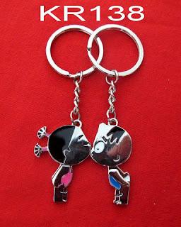 gantungan-kunci-pasangan-romantis