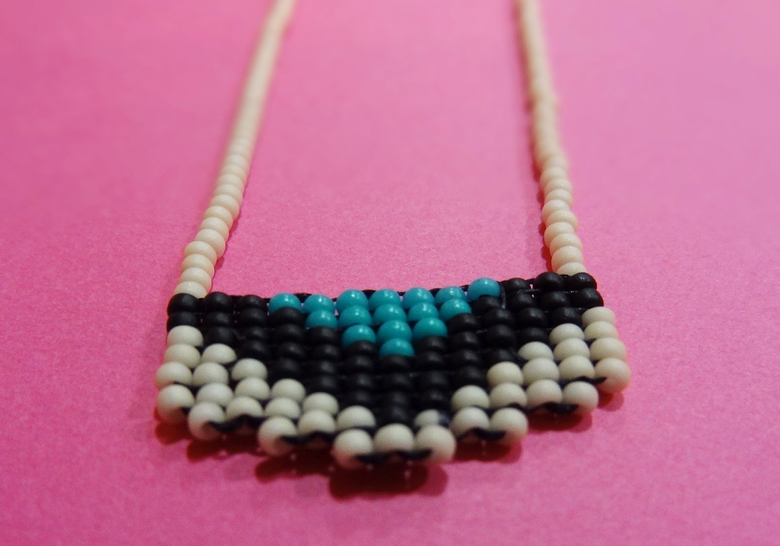 Off Loom Bead Weaving Instructions http://boreddoe.blogspot.com/2012/05/off-loom-beading.html