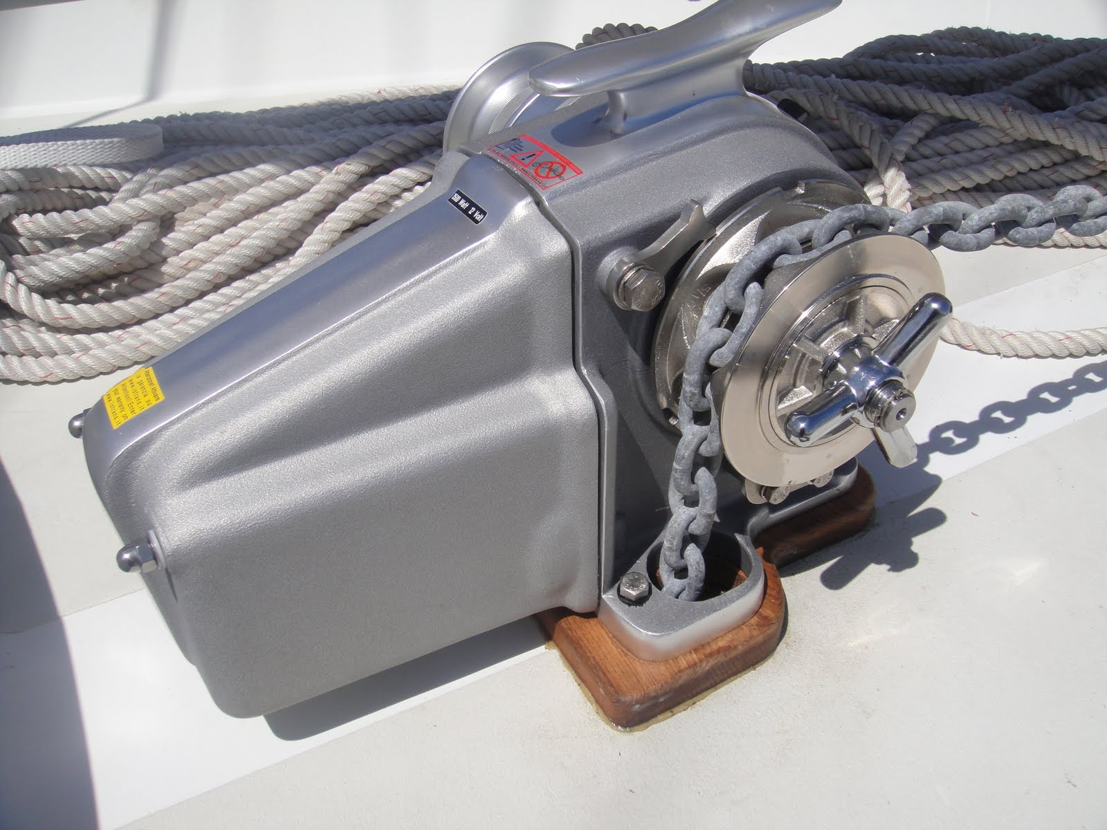 the official minney u0026 39 s yacht surplus blog  anchoring made