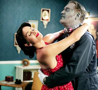 http://2.bp.blogspot.com/-A-XGCXOFdw8/TceTnnRR5LI/AAAAAAAAFqE/JzKATWg8NZo/s400/Best-zombie-films-15.jpg