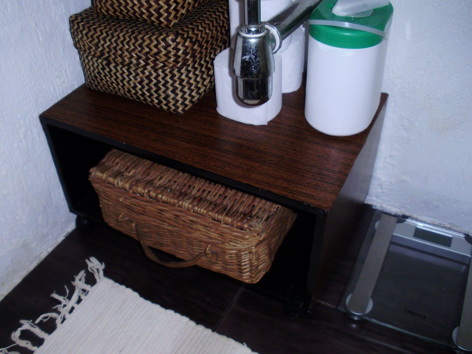 não há gabinete como o banheiro é pequeno achei que um gabinete ia #28736C 1600 1200