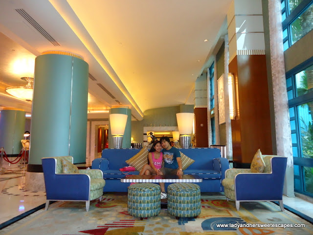 Hongkong's Disneyland Hollywood Hotel lobby