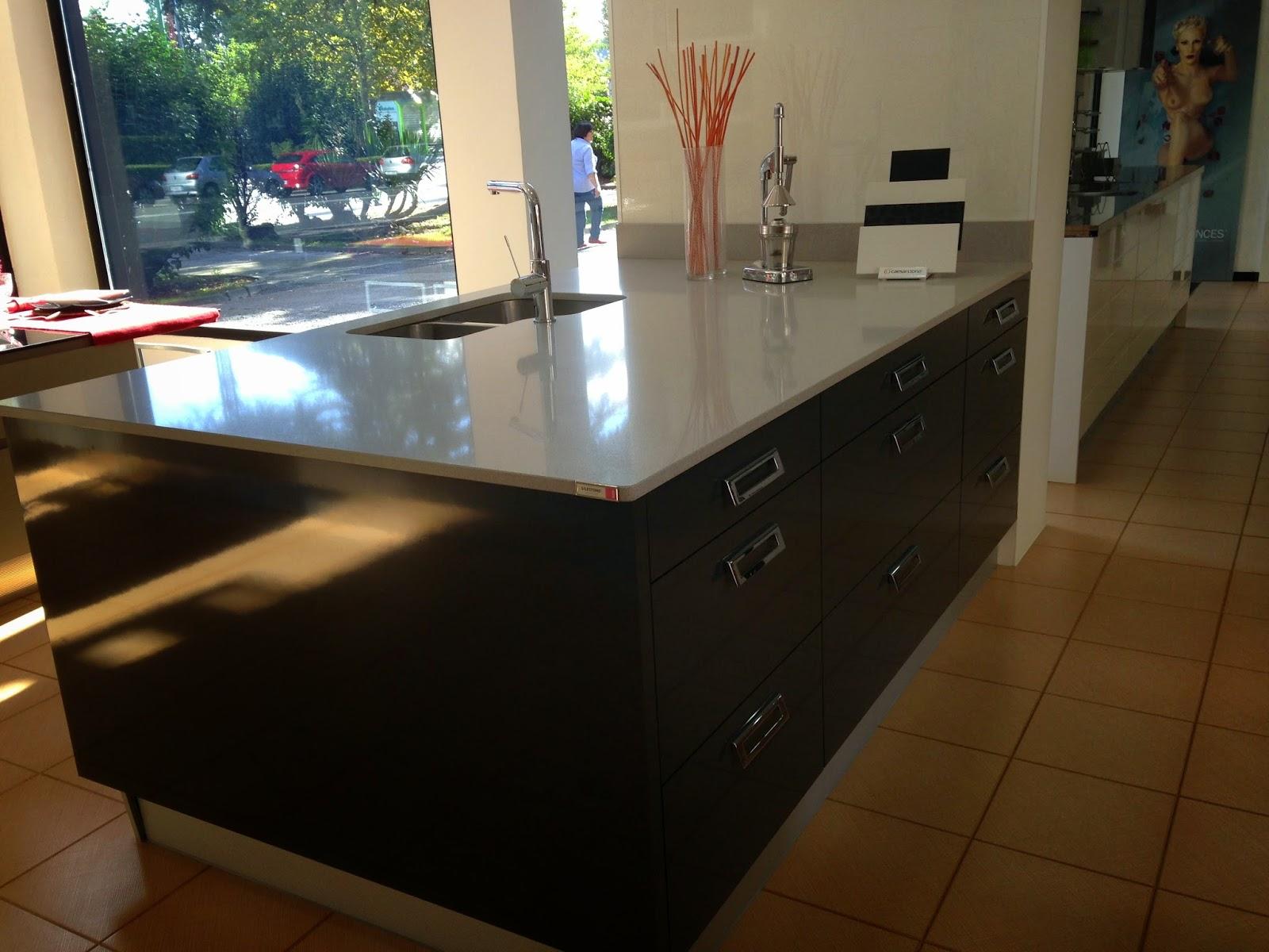 Precios especiales en muebles de cocina por cambio de exposicion getxoreformas d a a d a - Precios encimeras cocina ...