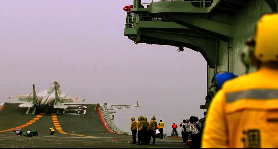 chine Chinese+J-15+Carrier+borne+Fighter+Jet+Landing+back+at+the+CV16+Liaoning+Aircraft+Carrier+of+the+People's+Liberation+Army+Navy+(PLA+Navy)+(2)
