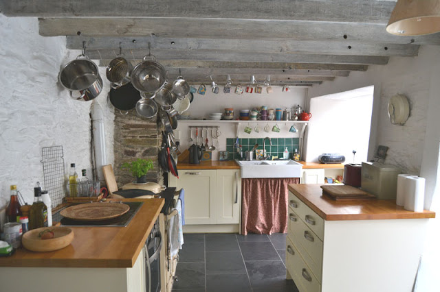 english kitchen country style