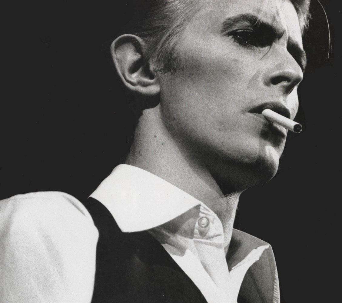 http://2.bp.blogspot.com/-A-iFR5n-f1M/TdUgAKg1TRI/AAAAAAAAAXE/HMMIPd2w2OY/s1600/David-Bowie.jpg