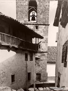 Candelario Salamanca detras de la torre