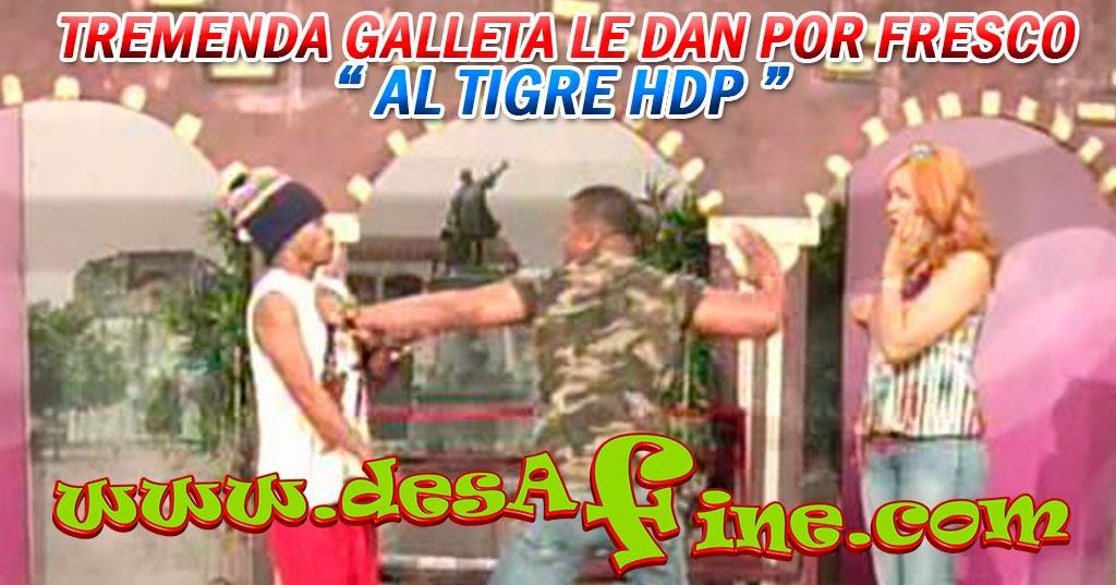 http://www.desafine.com/2014/01/tremenda-galleta-le-dan-por-fresco-al.html