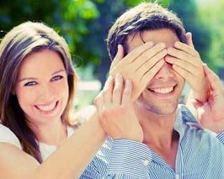 Jangan Tanyakan 4 Hal Ini Pada Kekasih Anda arivandilla