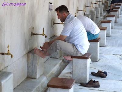 abluzioni Moschea Nuova Istanbul