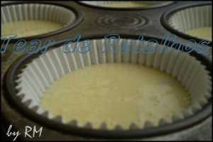 Torta de Limão com Merengue. Colocando o creme