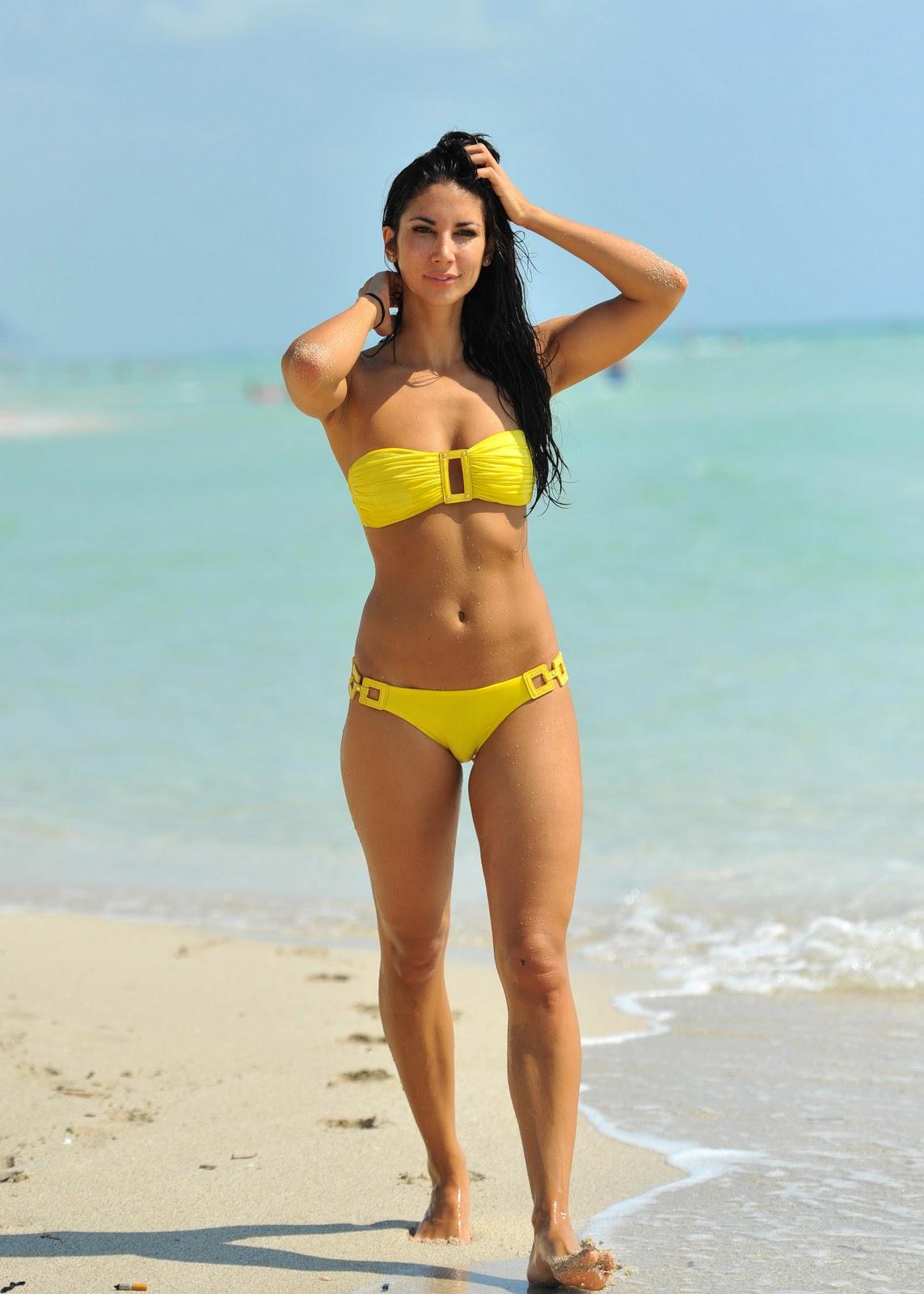 http://2.bp.blogspot.com/-A07iiInRa-U/To3l-t3Rt5I/AAAAAAAAGDk/cQUF8aY73yo/s1600/Leilani+Dowding+4.jpg