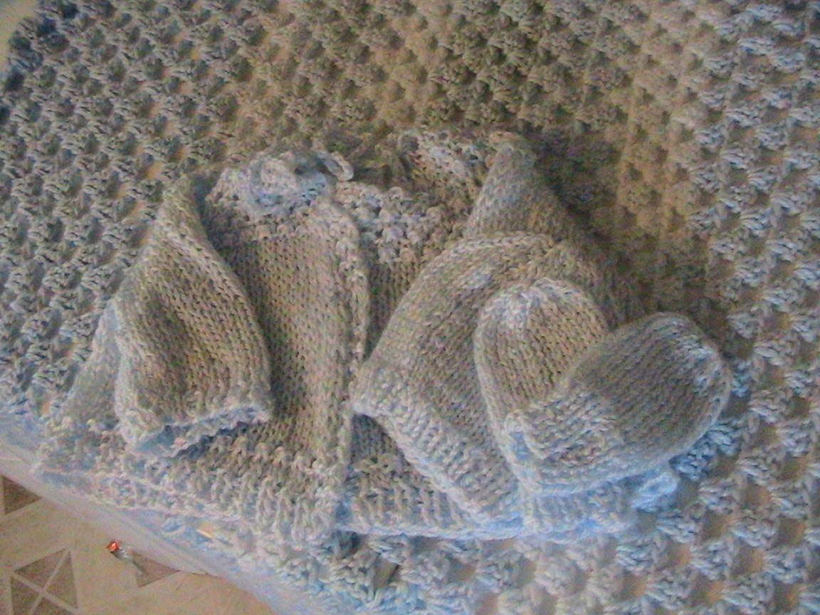 Knitting Patterns For Baby Layettes : jbarrett5: knit and crochet baby layette and blanket