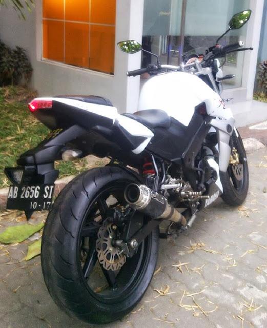 Modifikasi Yamaha Byson 2013 Aliran StreetFighter