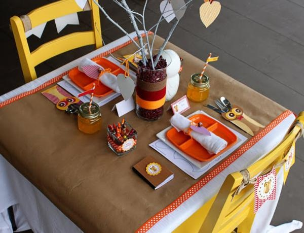 http://www.karaspartyideas.com/2012/11/rustic-owl-thanksgiving-party-free-printables.html