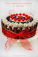 Tort czekoladowo-kokosowy w koronie