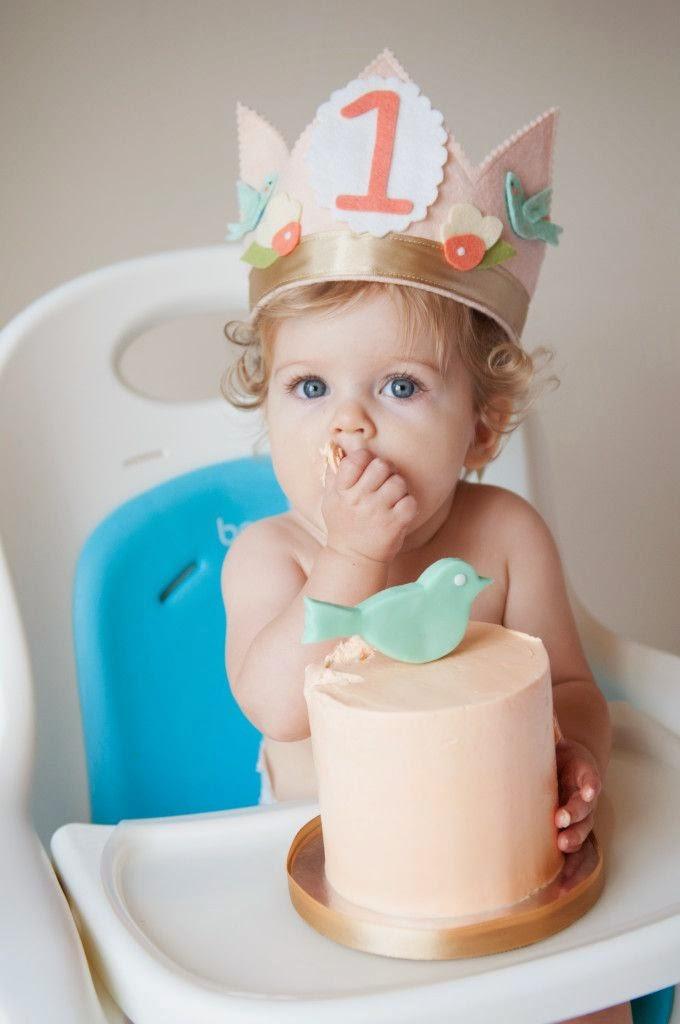 Celebrar el Primer Cumpleaños para una Niña