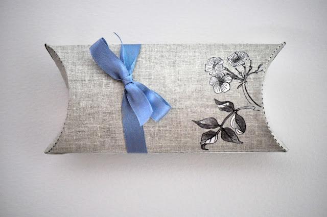 Оригинальное приглашение на свадьбу и упаковка для него