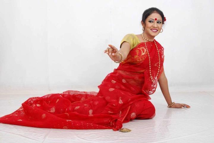 Online modeling dress shopping cute indian women beautiful south