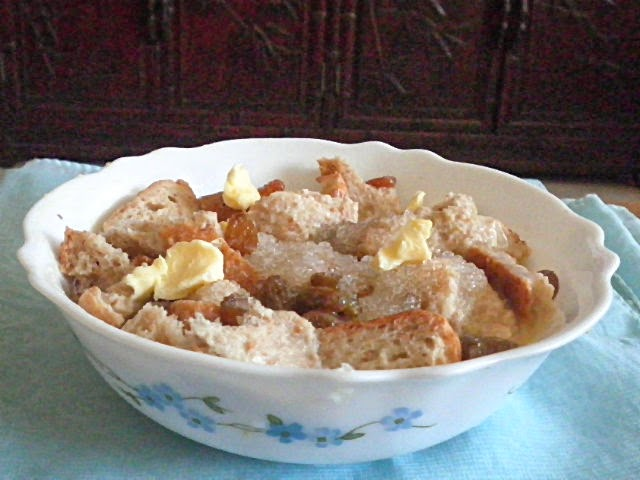 Microwave Bread Pudding Bread @ http://treatntrick.blogspot.com